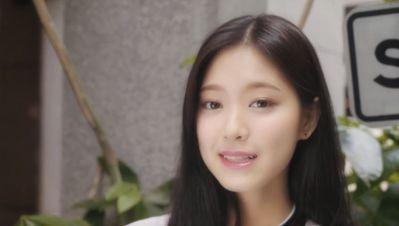 loona-my-sunday-hyunjin
